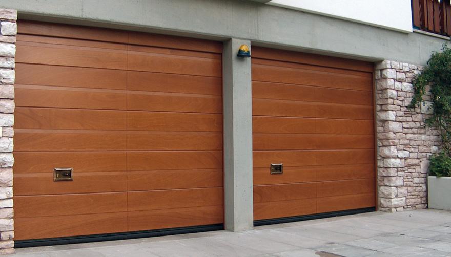 Porte basculanti e sezionali per box flli carugo srl for Porte box garage